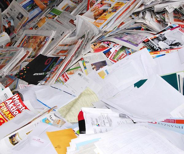 Wir arbeiten Digital und verzichten, wenn möglich, auf den Papierdrucker. Das beginnt bei Digitalen-Formularen z.B. für das Finanzamt und endet bei euren Paketen ohne Flyer oder andere bedrucke Werbemittel. Falls andere mit der Digitalisierung nicht mithalten können und wir doch mal was ausdrucken müssen, dann nutzen wir ausschließlich Recycling-Papier.